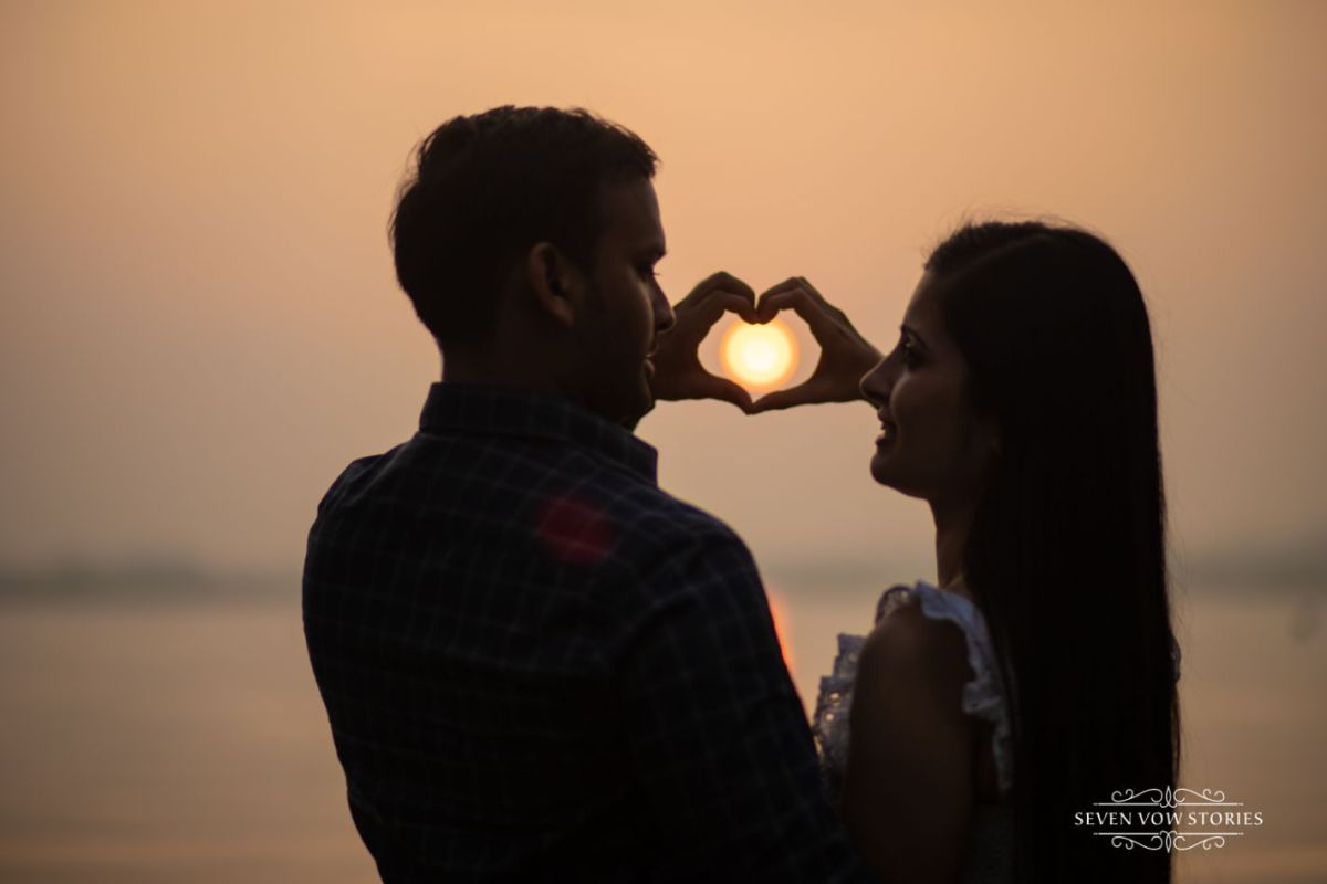 sunset pre wedding shoot ideas
