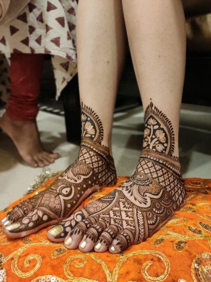 bridal foot henna ideas | Cutest Haldi Ceremony