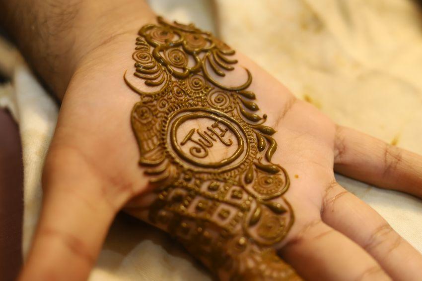indian groom  mehendi ceremony