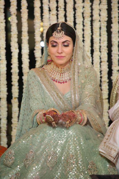 fuuny wedding moments   happy bride   indian weddings   palace wedding   sabyasachi green lehenga #wittyvows
