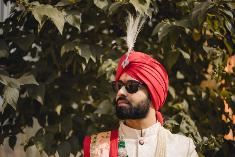 solo groom photography , indian wedding | indian groom | sikh groom | red pagri | grooms of india , indian grooms , anand karaj