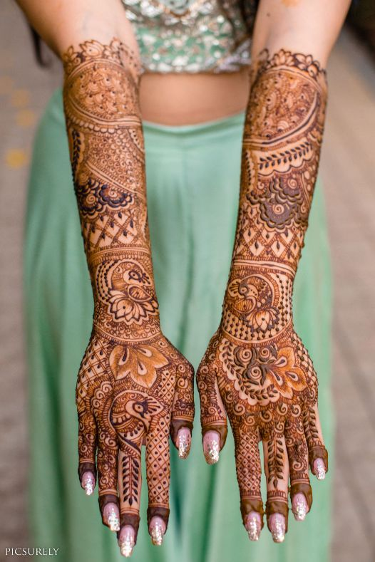 indian bridal mehendi , mehndi look ,mehndi