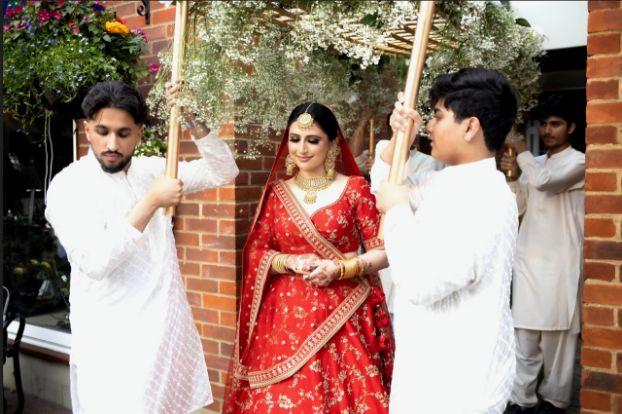 bridal entry , phoolon ki chaadar