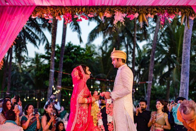 indian wedding , india bride , wittyvows , weddings , goa wedding , destination wedding | wedding in Goa | beachside mandap | mehndi look