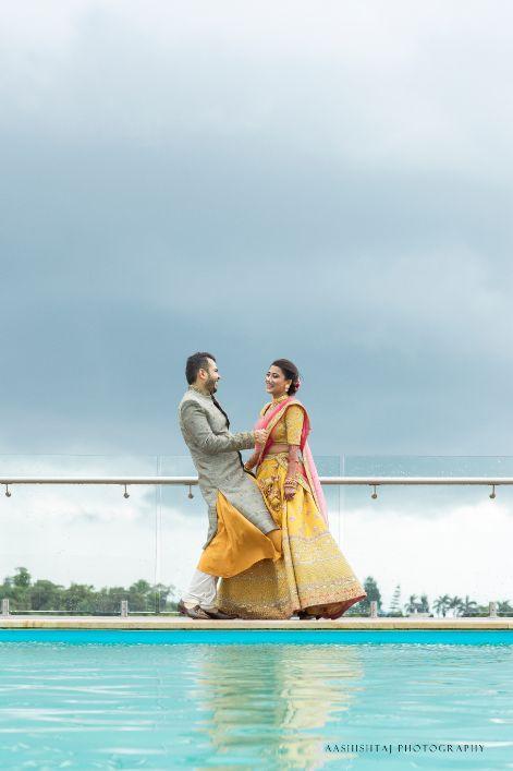 couple shot , indian wedding , indian bride , happy couple , wittyvows , wedding blog , real indian wedding