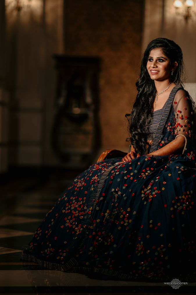 indian bride photoshoot , indian bridal entry , dancing bride , Destination wedding \ wedding in Jodhpur | Colourful mehendi ideas
