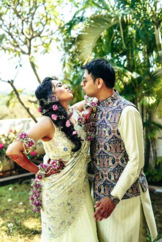 indian bridal hairstyle for haldi/mehendi ceremony