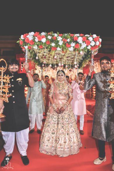 lovely phoolon ki chaadar | indian bridal entry |