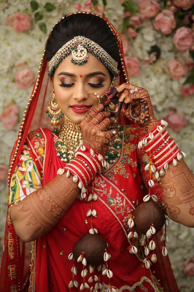 the bridal portraits , wedding isnpiration , indian wedding , bridal henna , red lehenga , indian wedding blog , Gujarati wedding   fairytale reception   wedding cake