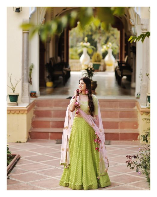 brides outfit for the mehendi day | Wedding in  Orchha with a Reception Lehenga to Drool Over