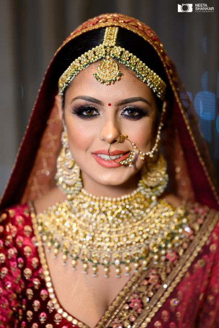 bridal jewellry ideas | indian bridal makeup | Sabyasachi Lehenga in Maroon