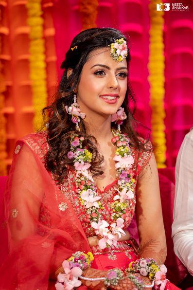 pretty bride for here mehendi ceremony |