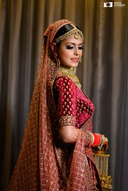 beautiful bridal sleeve design ideas in trend | Sabyasachi Lehenga in Maroon