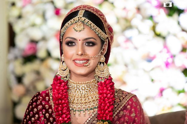 beautiful varmala designs | indian bridal makeup ideas | Sabyasachi Lehenga in Maroon