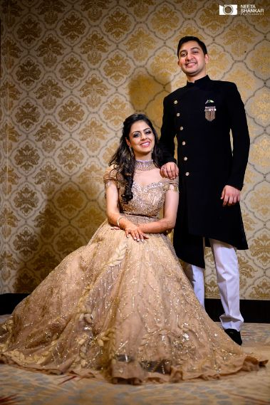 couple poses | indian bride and groom photo shoot ideas |