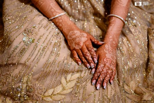 mehendi ideas for the bride | indian wedding shoot