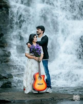Outdoors pre wedding shoot | Romantic couples | Waterfall shoots