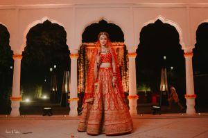 real indian wedding , red lehenga , chooda , wittyvows , sabyasachi bride | mirror work lehenga | lehenga for mehendi