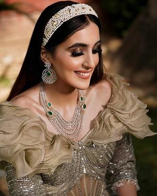 Diamond necklace for brides