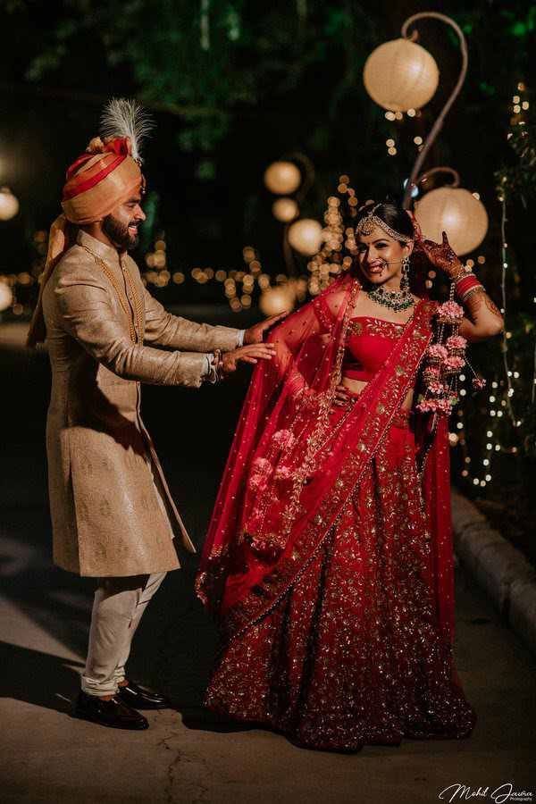 couple outfits | wedding photography