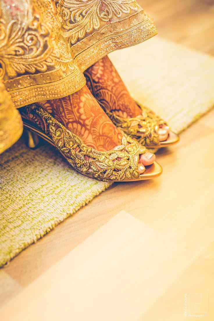 bridal footwear | mehendi