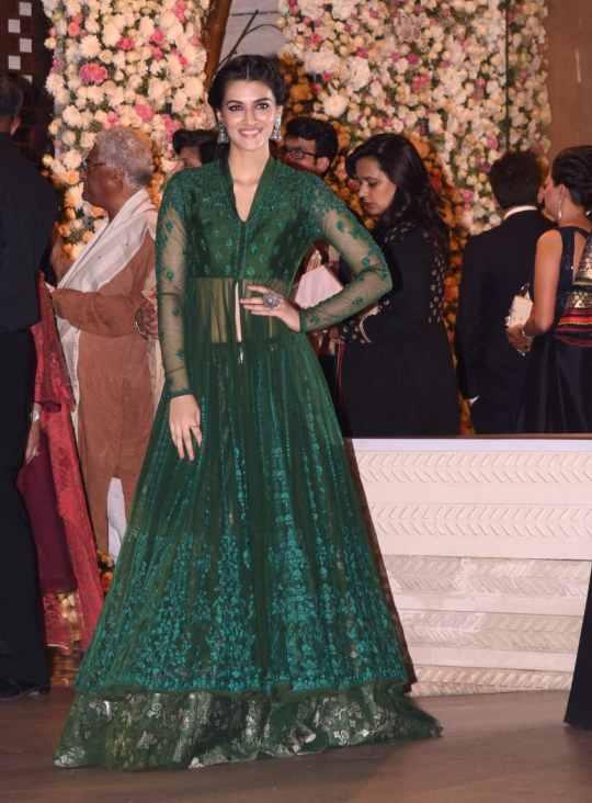bridesmaid outfit ideas | bridesmaids