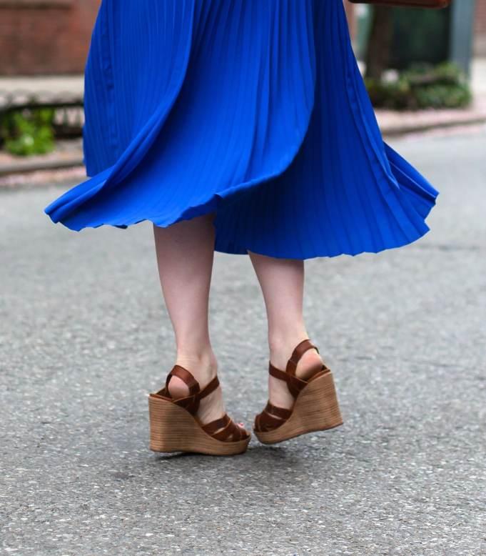 Pleated skirt + wedges