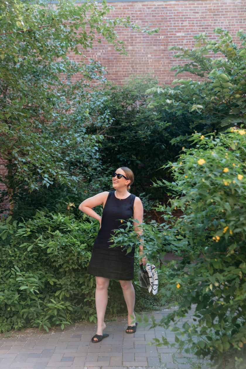 Meghan Donovan in a Linen JCrew Shift Dress I wit & whimsy