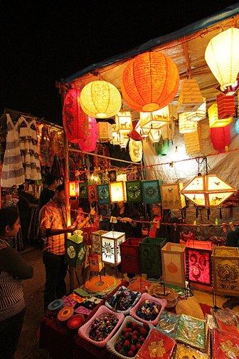 goa-saturday-night-market-at-arpora