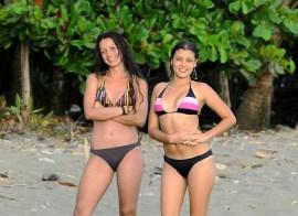 W strojach kompielowych na plaży w Manuel Antonio (KOSTARYKA)