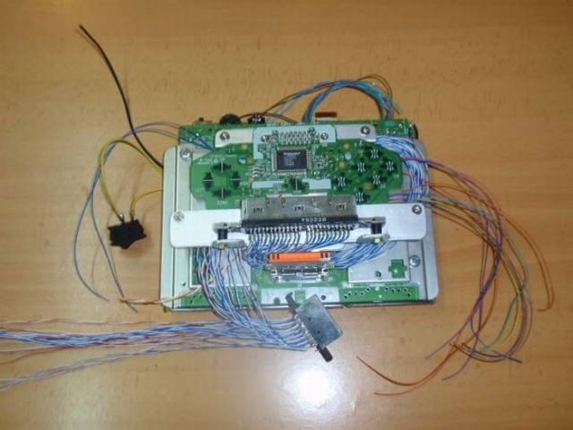 How this guy transform Nintendo 64 into A Handheld game console 17