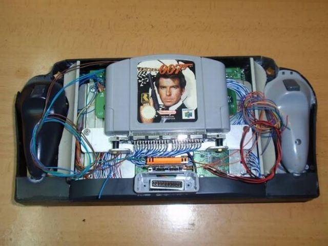How this guy transform Nintendo 64 into A Handheld game console 36