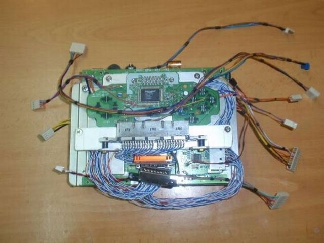 How this guy transform Nintendo 64 into A Handheld game console 45