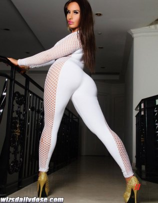 Nikki-Giavasis-featured-in-stack-models-inc-Magazine-shot-by-urbansoul-photog-003---wizsdailydose.com