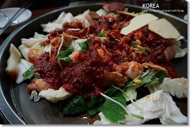 [韓國首爾行程] 新村春川家辣炒雞排+弘大商圈 SPARK BAR ♥ 微燻的夜晚2013首爾小旅行(18)