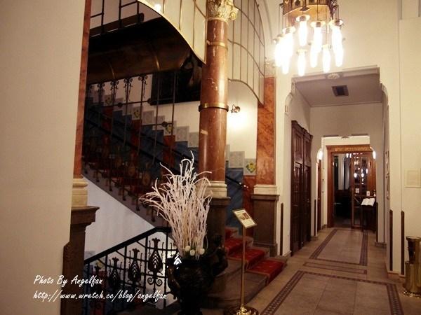 ❤Love in 捷克-10❤穿著正式服裝來正港歌劇院。與浪漫歌劇邂逅吧!!! @小環妞 幸福足跡