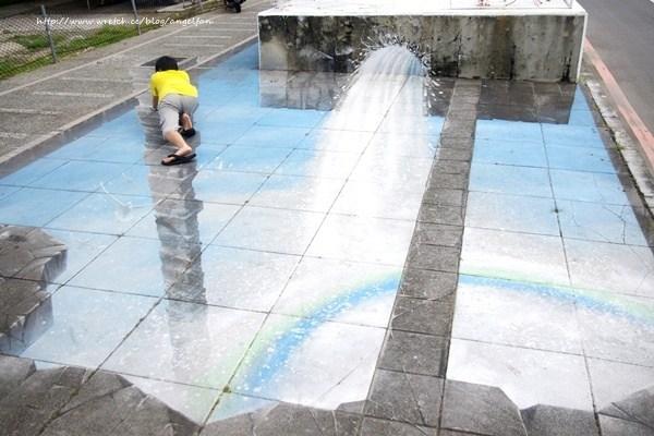 [台南景點]大馬路旁竟出現一個大洞~救命呀! @小環妞 幸福足跡