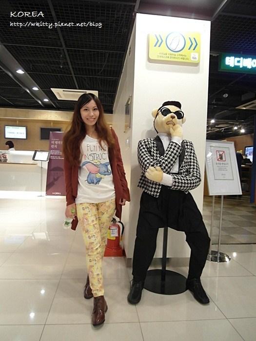 [韓國首爾必遊景點] 首爾塔 ♥ 戀人約會必去,把心鎖起來吧! 2013首爾小旅行(4) @小環妞 幸福足跡
