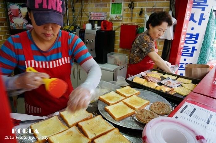 [韓國首爾必吃] 韓國國民早餐,好吃肉排吐司 ♥ Isaac,2013首爾小旅行(6) @小環妞 幸福足跡