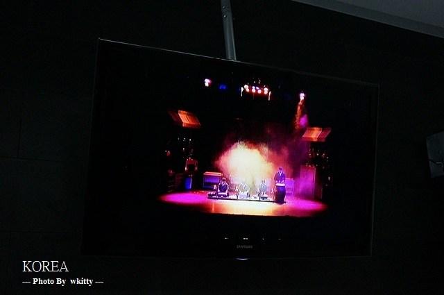 [韓國首爾看秀] 超搞笑又有韻律的亂打秀 ♥ 值回票價,2013首爾小旅行(17) @小環妞 幸福足跡