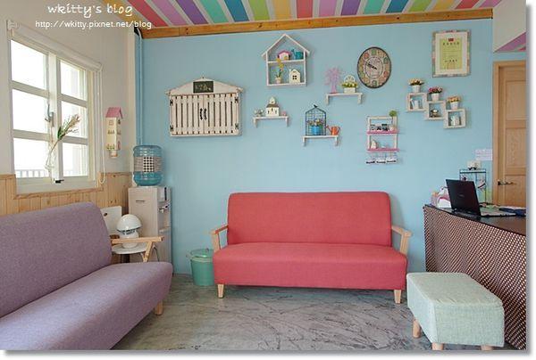 [宜蘭住宿] 天空島上的小木屋 ♥ 七彩彩虹小木屋真實存在,夢幻到不敢置信!! @小環妞 幸福足跡