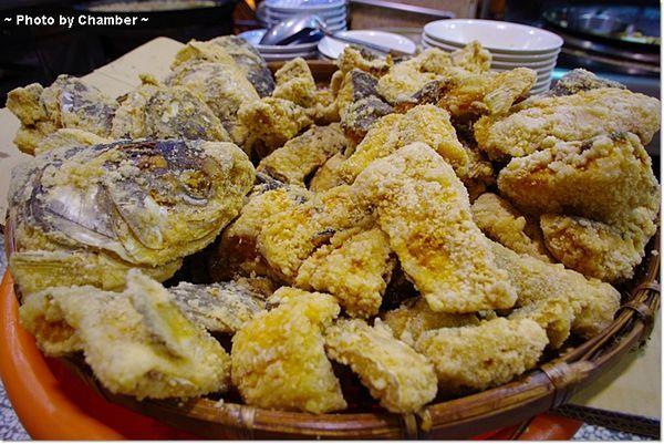 ▌環島 ▌嘉義市˙林聰明沙鍋魚頭!! ♥ 40年歷史的美味 @小環妞 幸福足跡