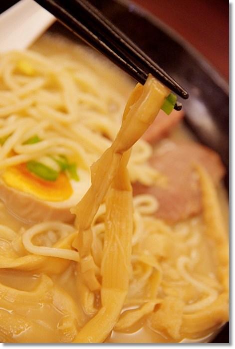[羅東美食推薦] 津宴拉麵(已歇業) ♥ 同日本一蘭拉麵客製化拉麵,雞白湯頭濃郁黏稠好喝無比,羅東夜市旁小巷,讓人驚艷一定會爆紅! @小環妞 幸福足跡