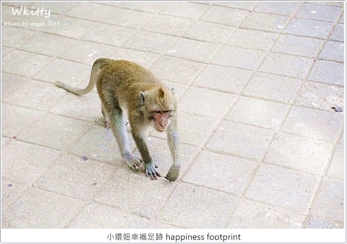 【峇里島推薦景點(22)】斷崖廟,斷崖峭壁上的高聳神廟,小心猴子偷襲你! @小環妞 幸福足跡