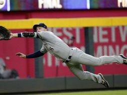 Brewers Ryan Braun diving catch AP