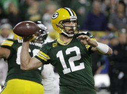 Packers Aaron Rodgers v Eagles AP