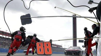 NASCAR Fontana AP