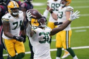 Packers Jamal Williams celebrates AP