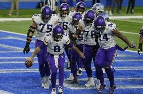 Vikings Cousins dance AP