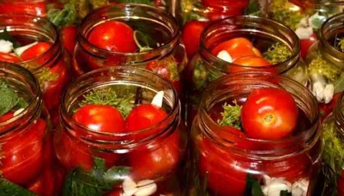 Малосольные помидоры за 25 мин